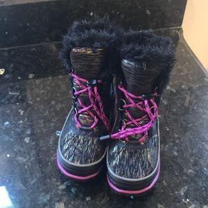 Waterproof snow/winter boots